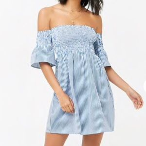 Dresses & Skirts - Off shoulders striped mini dress
